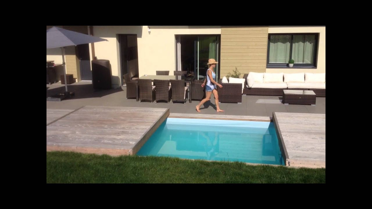 le rolling deck la nouvelle terrasse mobile de piscine by piscinelle youtube. Black Bedroom Furniture Sets. Home Design Ideas
