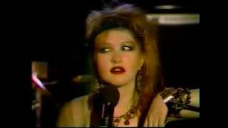 Cyndi Lauper - Girls just want to have fun + short interview (1984)