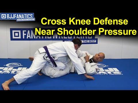 Cross Knee Defense Near Shoulder Pressure - BJJ Training by Xande Ribeiro