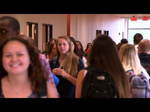 Teens need later school start time, doctors say