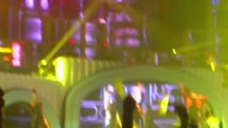 [fancam] hands up  BIGBANG ALIVE TOUR JAKARTA 12.10.12