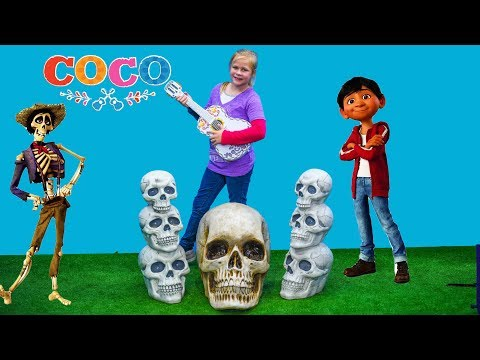 COCO The  Assistant Hunts for Miguel and Ernesto Guitar