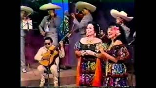 Dalia Inés y Flor Silvestre cantan Con mis propias manos