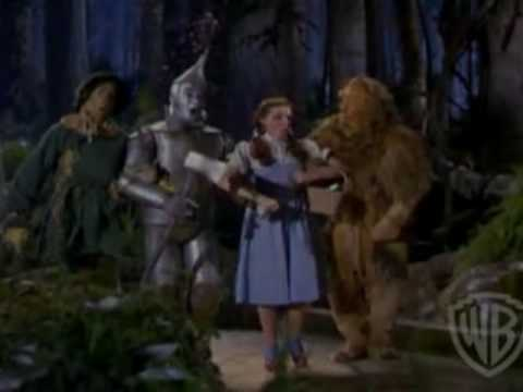 JUDY GARLAND: TRIBUTE TO 'WIZARD OF OZ' DIRECTOR VICTOR FLEMING WITH THE 'JUDY SLAP' STORY. Mp3