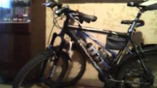 Велосумка самоделка и её содержимое