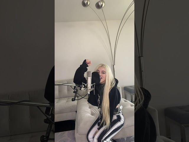 Ava Max - Kings & Queens Acoustic (At Home Sessions)