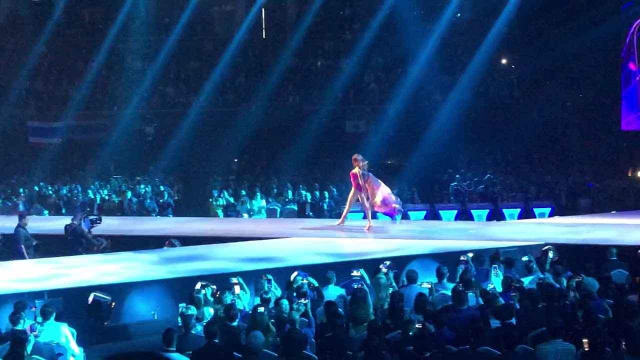Catriona Gray Miss Universe 2018 Swimsuit Competition