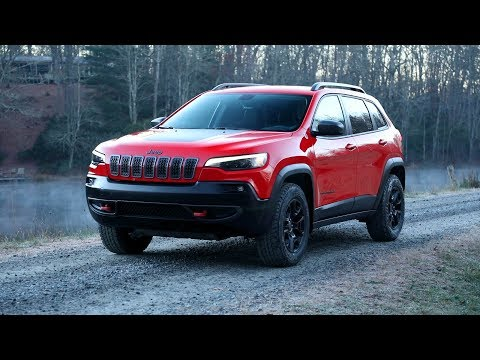 2019 Jeep® Cherokee Trailhawk Running Footage