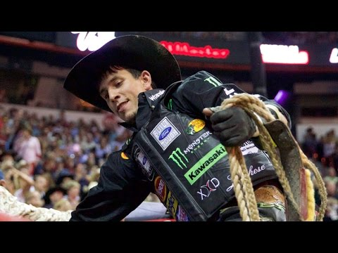 072705ee6 WRECK: J.B. Mauney hangs up on Ranga (PBR)