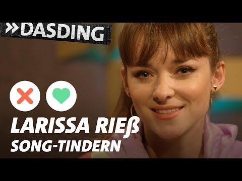 Song-Tindern: Larissa Rieß – Frozen-Verrücktheit und das Karnevals-Raupen-Trauma | DASDING Interview