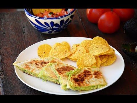 c mo hacer quesadillas de pollo queso y aguacate youtube On como hacer quesadillas de queso