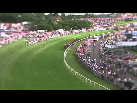 John Reid takes us around the Epsom Derby course  | Betfred TV