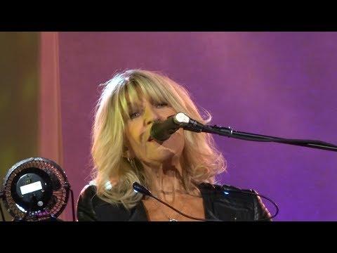 Christine McVie and Lindsey Buckingham - Hold Me - Vina Robles Amphitheatre - 10-15-17