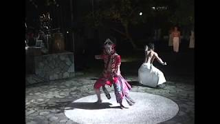 LeineRoebana Dancecompany and Kyai Fatahillah BERJALAN Part 2