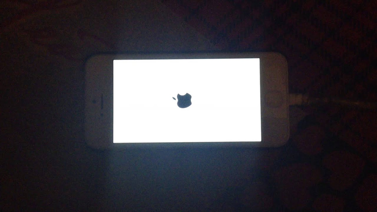 iphone 5 stuck on apple logo iphone 5 ios 7 0 6 apple logo on and 19306