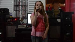 Karaoke - Por Amarte Asi Cover Agustina Bravo