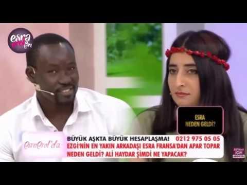 Evlenme Programında Irkçılık Yapan Kadın