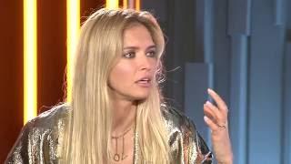 Вера Брежнева в эфире онлайн-шоу «ОК на связи»