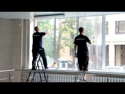 Дом Плёнок. Установка защитной и декоративной плёнок на окна зданий.
