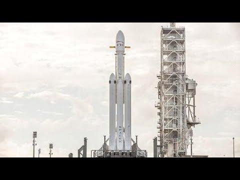 SpaceX Falcon Heavy maiden flight orbiting a Tesla Roadster!