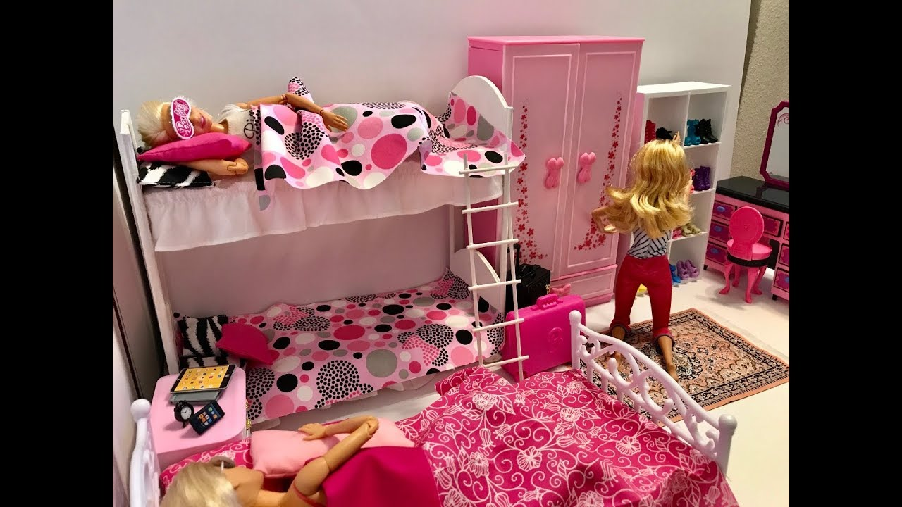 Barbie Bedroom In A Box: Barbie Bedroom Morning Routine!! Pizza! Shower! Bath