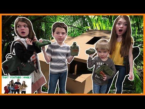 Jumanji Themed Box Fort Jungle Escape Room - Family Movie Night / That YouTub3 Family
