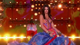 KENDALL JENNER! Victoria's Secret Fashion Show (Compilation)