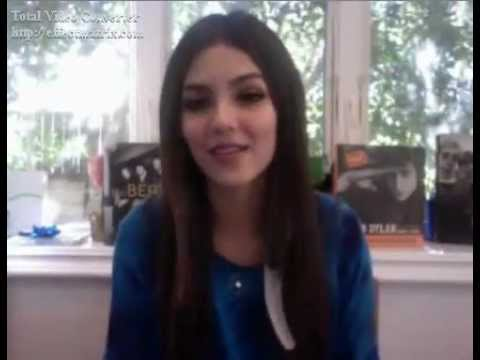 Live Chat With Victoria Justice..