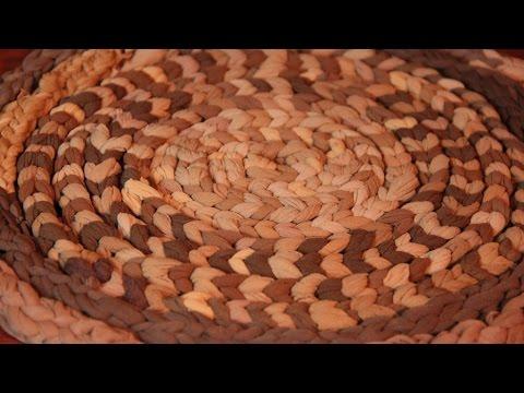 Плетение из старых колготок на пальцах видео