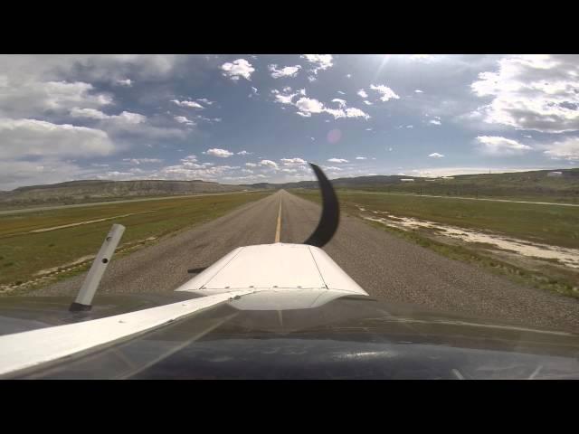 Landing at Rangely, CO Airport 4V0 *Huge crosswinds*