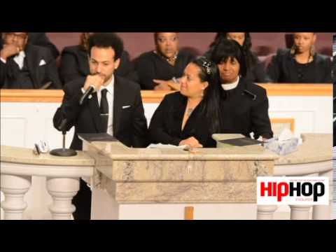 Kriss Kross member Chris Smith gives moving speech at funeral for Chris Kelly (full video)