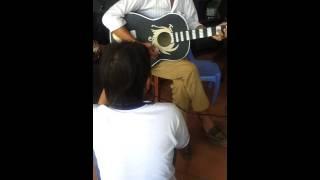 Gặp sư phụ guitar Vàm Cống.