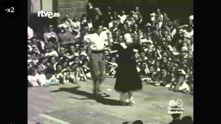 1952 09 22 Rtve filmoteca - dantza soltea taula gainean - Zarautz