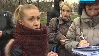 Смотреть видео Телеканал «Санкт Петербург» — Новости — Жители Нового Девяткино вышли на митинг онлайн