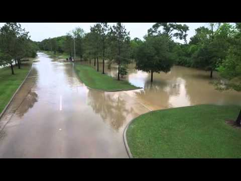 Katy Texas Floodwaters Close Kingsland Blvd In Woodcreek Reserve
