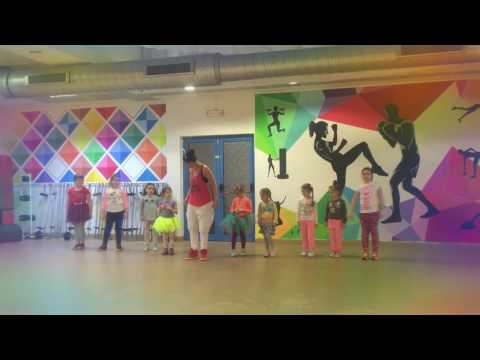 Luis Fonsi - Despacito ft. Daddy Yankee(Zumba®Kids JR Choreo)
