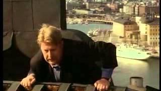 Vad Fan Gör Rolf Lassgård