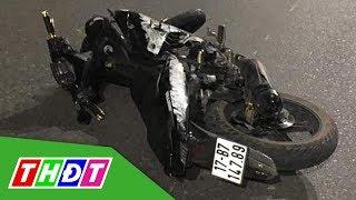 Xe máy chở 5 người đâm dải phân cách, 4 người tử vong | THDT