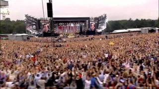 Robbie Williams - Let me entertain you (Live at Knebworth)