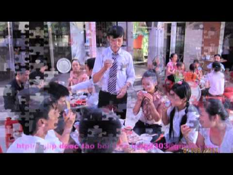 Dam Cuoi Tren Duong Que