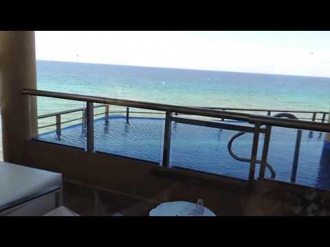El Dorado Seaside Suites - Oceanfront Swim Up Jacuzzi Suite