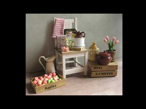 12th Scale Dolls' House Furniture & Miniatures ~ made by Julie
