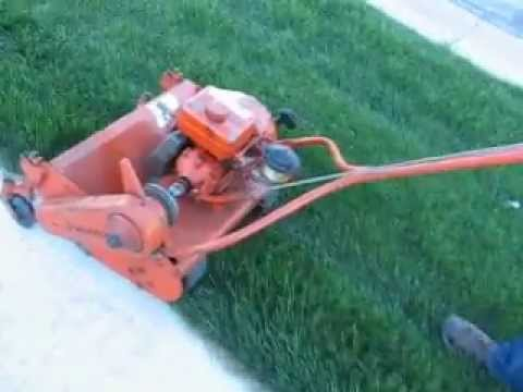self propelled lawn mowers vs push