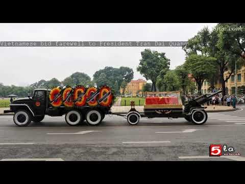 Vietnamese bid farewell to President Tran Dai Quang