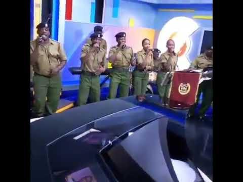 AMAZING KENYAN COPS SINGING