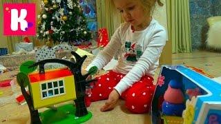 Подарки Кате от Деда Мороза открываем игрушки под Новогодней ёлкой Unboxing Christmas gifts(Катя распаковывает Новогодние подарки, открывает много игрушек и сладостей Unpacking New Year gifts and candy's Спасибо,..., 2016-01-01T12:24:19.000Z)