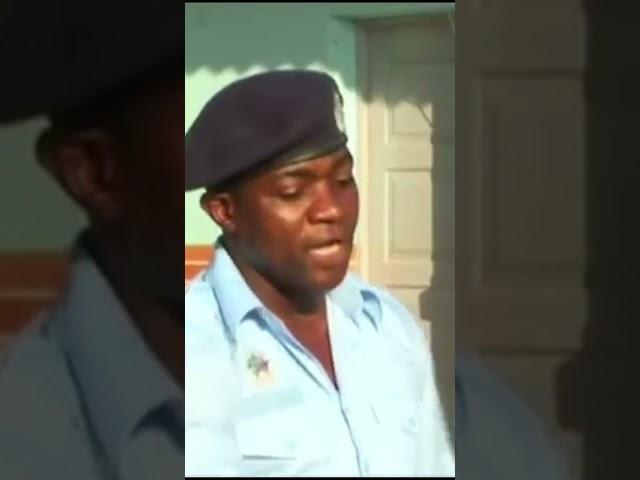 Polícia mais lixado de angola