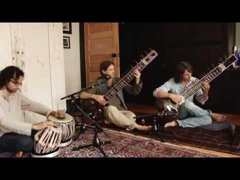 Raga Bhupali in Jhaptal: Memorization and Improvisation in Hindustani Music
