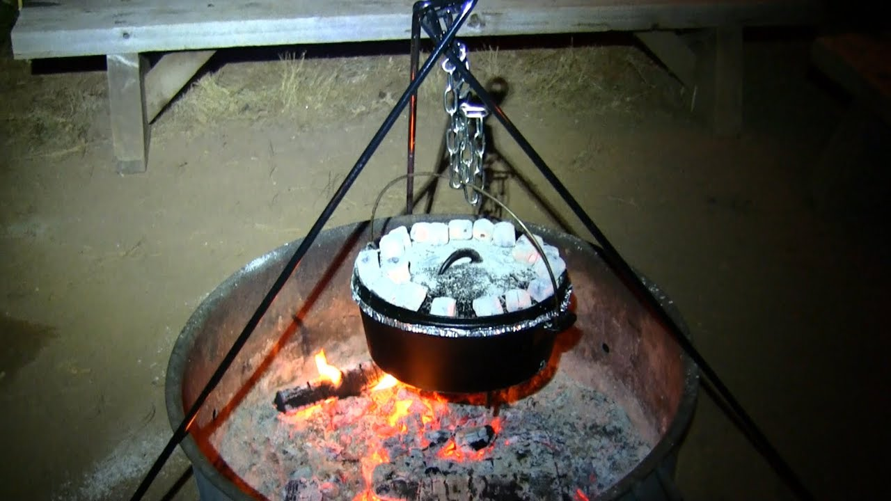 Outdoor Camping Campfire Cooker BBQ Grill Tripod Dutch Oven Bushcraft Hanger