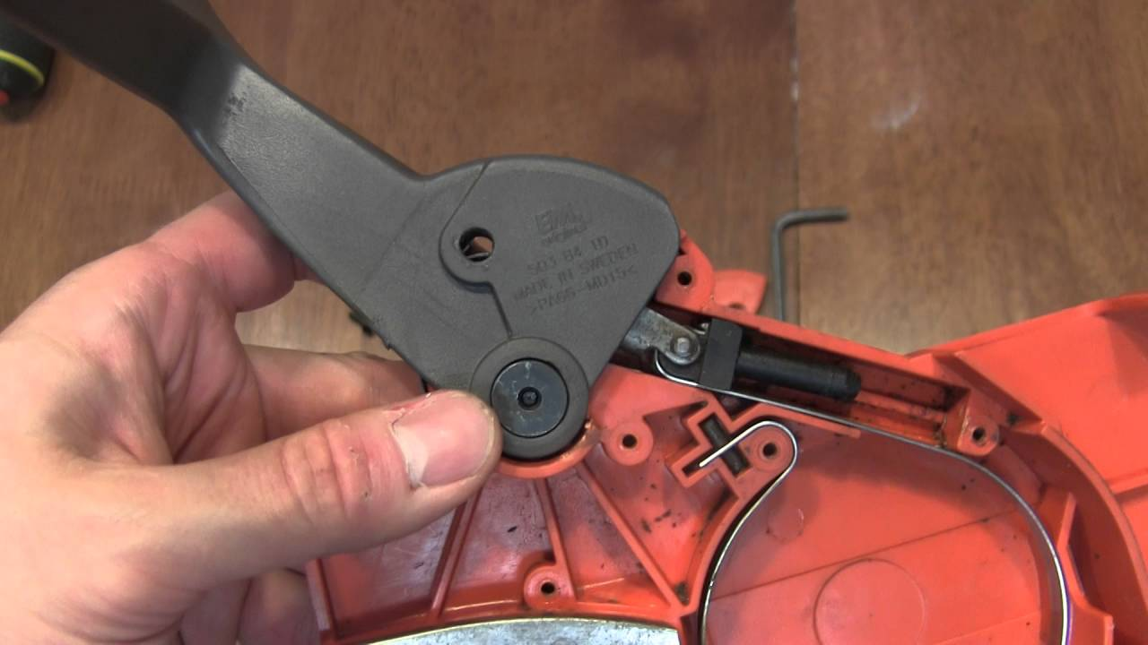 assembling husqvarna 55 chain saw chain guard [ 1280 x 720 Pixel ]